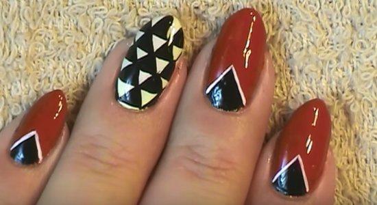 Patrón rojo negro y blanco de uña fácil y lindo